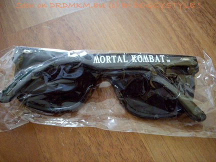 DrDMkM-Promo-JohnnyCage-Sunglasses-002